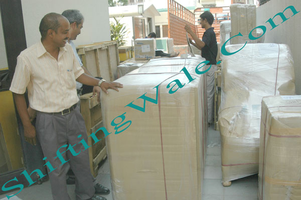 Need Packers and Movers Services from Hyderabad Secunderabad Vijayawada to Bareilly Moradabad Haldwani Rudrapur